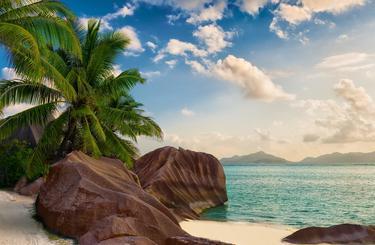 Blog thumb wide seychelles 2000px