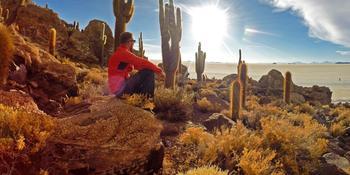 Blog index page thumb zapad slnka pod 10 metrovymi kaktusmi  salar de uyuni  bolivia  viktor varga