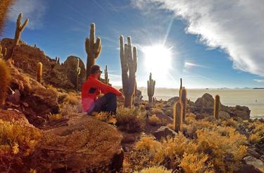 Blog thumb wide zapad slnka pod 10 metrovymi kaktusmi  salar de uyuni  bolivia  viktor varga
