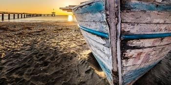 Blog index page thumb old wooden boat at sunrise 2873907 1920