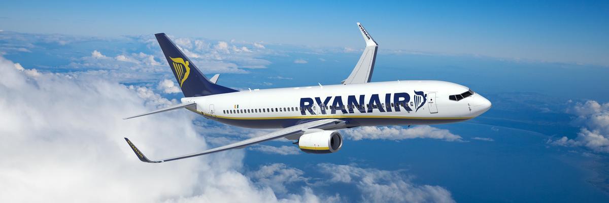 Show big ryanair aircraft  2