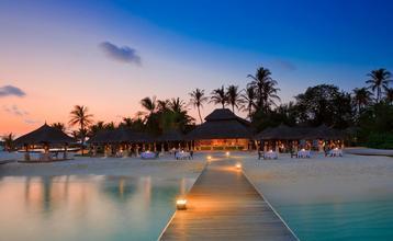 Destination index water beach night architecture bar maldives 1920x1080 wallpaper wallpaper 1920x1080 www.wall321.com
