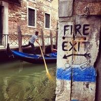 4. Libreria acqua alta - FIRE EXIT