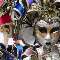 1. Benátky - masky