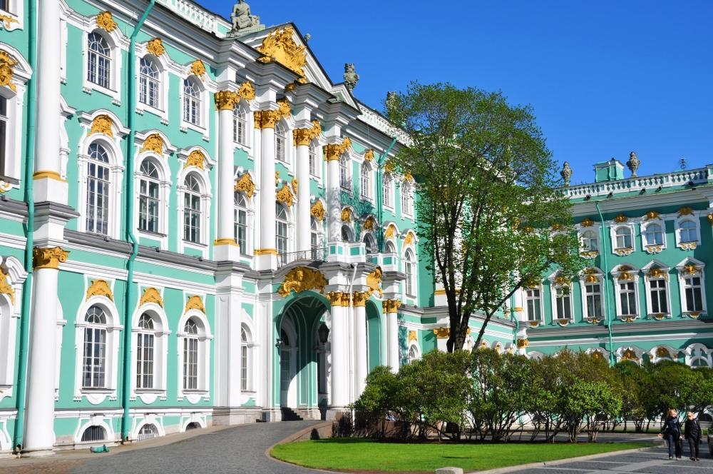 Zimný palác v ktorom je Ermitáž