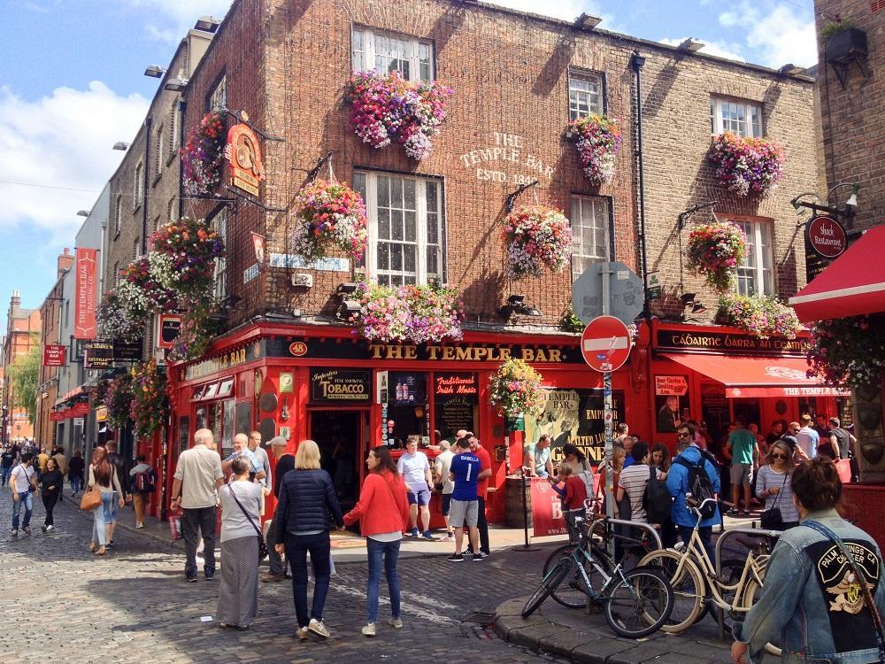 10. Slávny Temple bar - Dublin