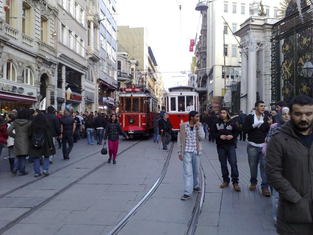 Ak vás rozpaľuje telesný kontakt s domácimi, šup do ulíc Istanbulu.