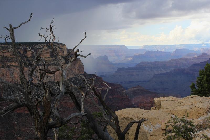 Grand Canyon blížiaca sa búrka