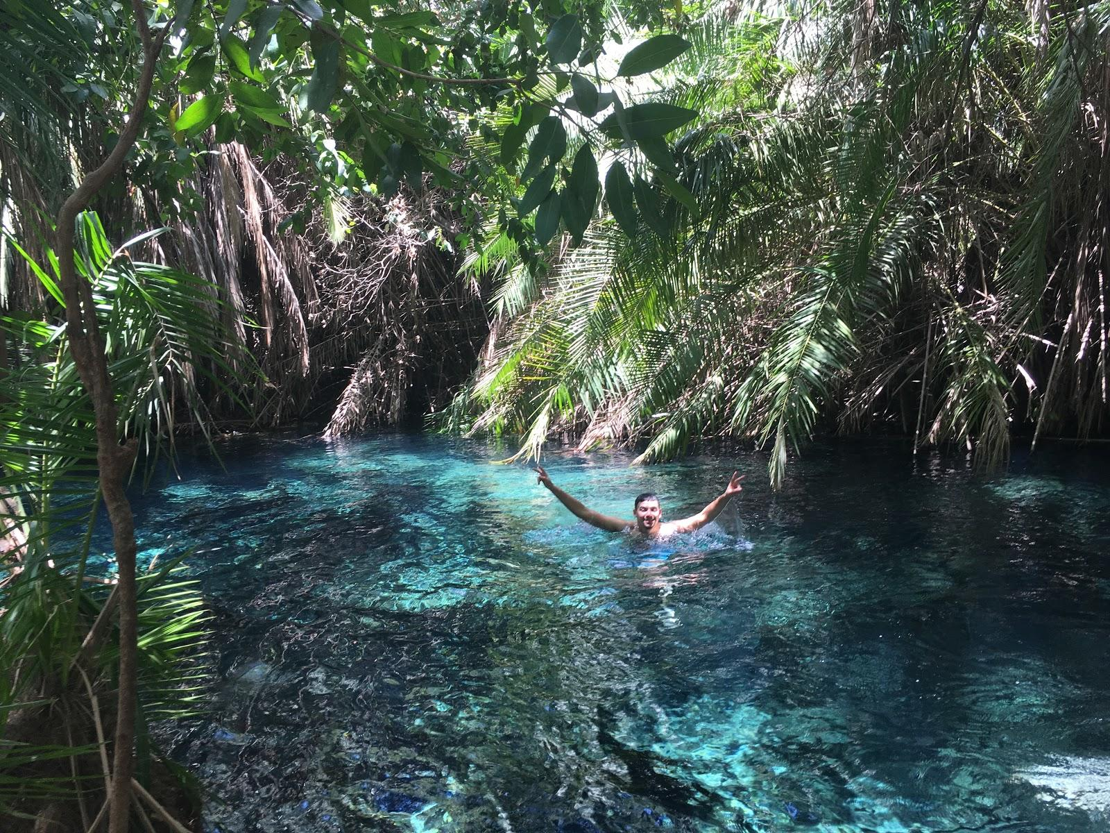 Konečne vo vode, Hot springs