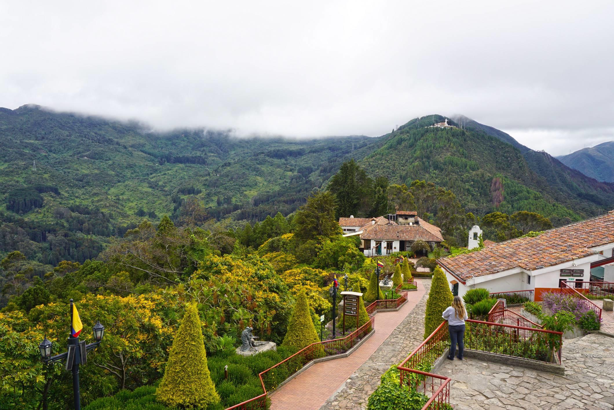 Na vrchu vyhliadky Monserrate vo výške 3 152 metrov, Bogota.