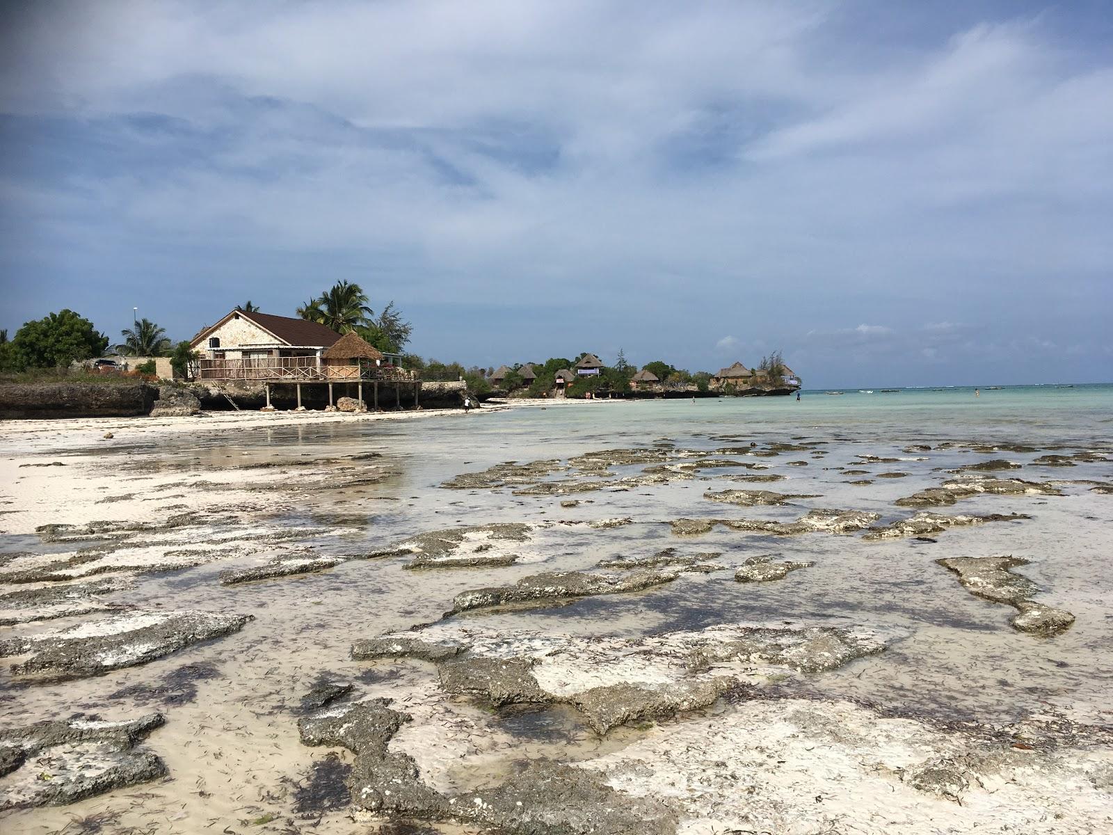 Pláž Pongwe v čase odlivu, Zanzibar