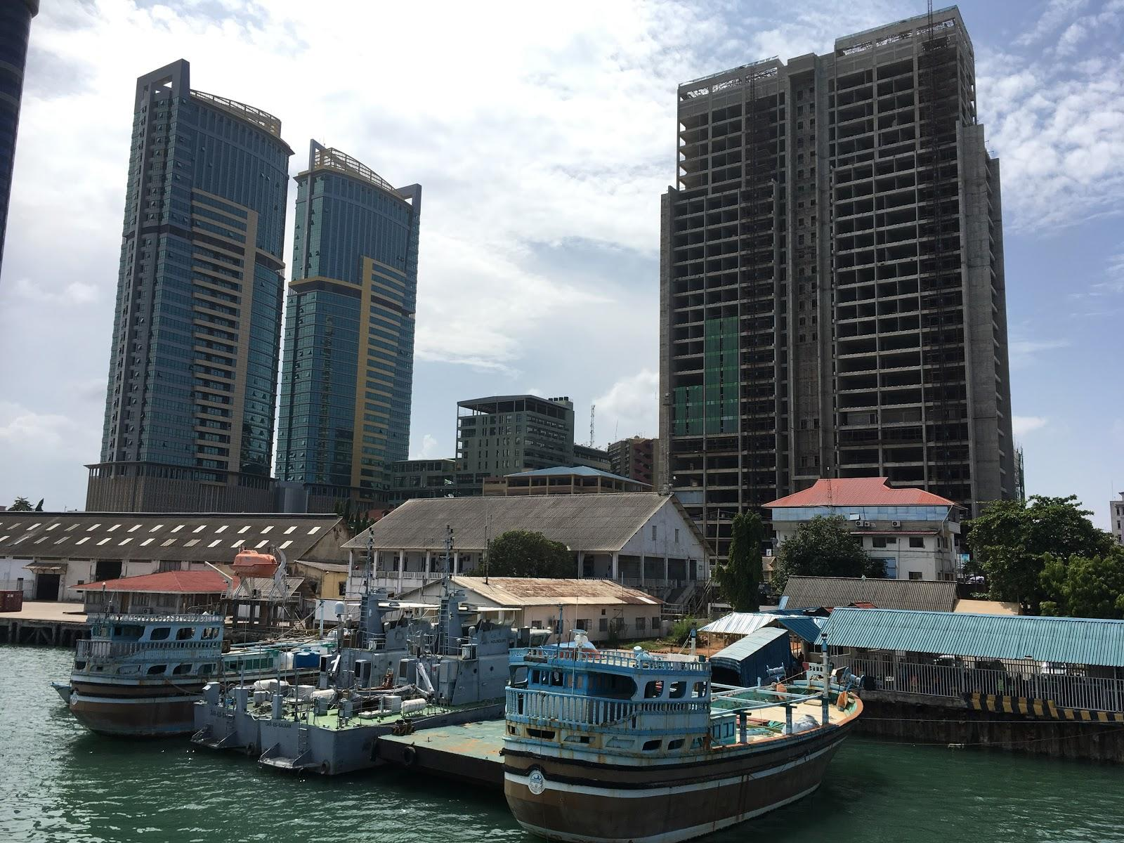 Pohľad na Dar Es Salaam z lode, Tanzánia