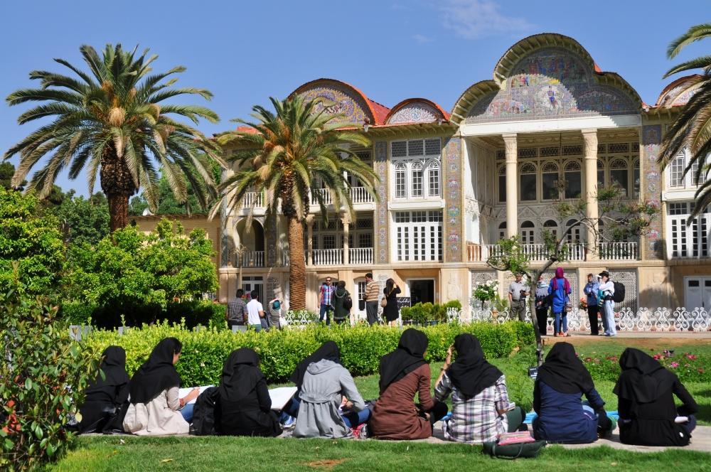 Shiraz - v záhradách Eram