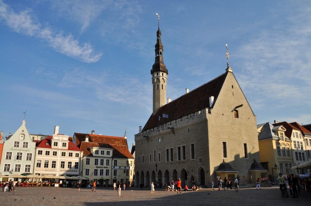Tallinn - námestie s Radnicou