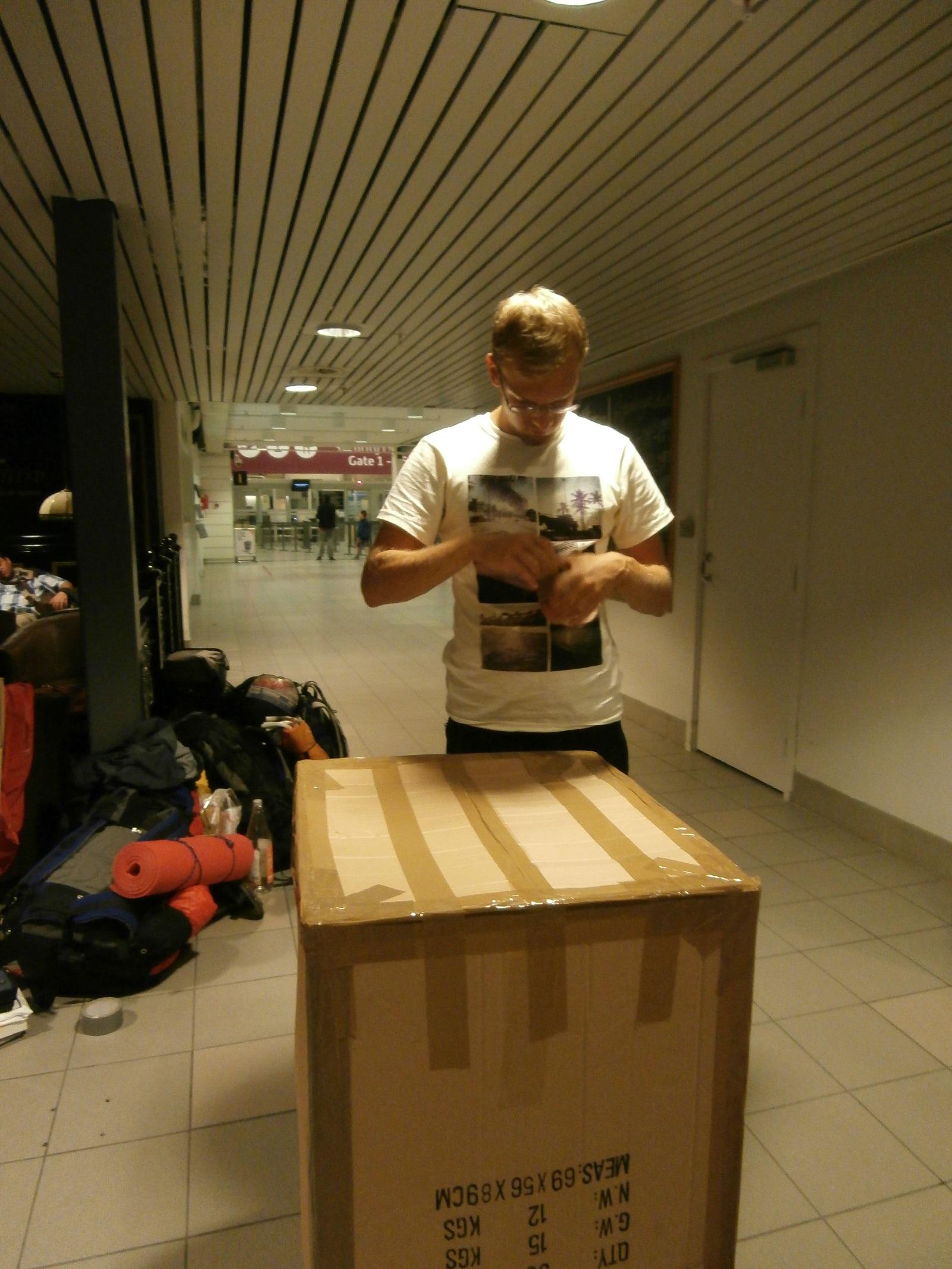 Krabica na balenie pre štyroch na jeden mesiac v Nórsku.