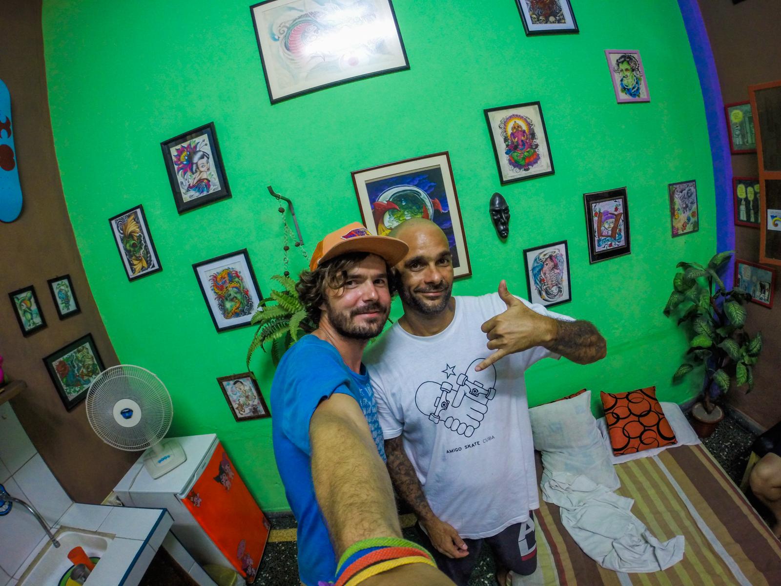 """""""Che"""" je jedným so zakladateľov skateterskej a surferskej scény na Kube."""