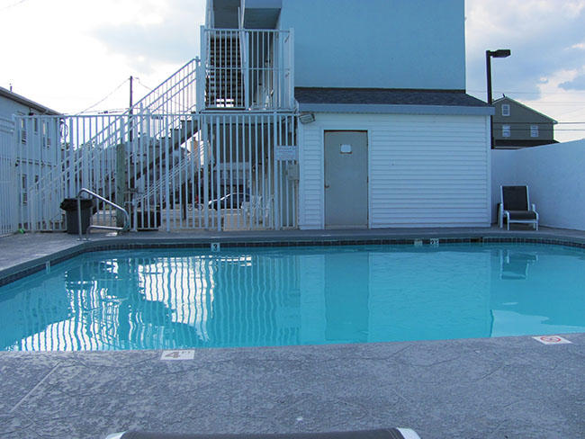 Ubytko č. 2 – motel s bazénom